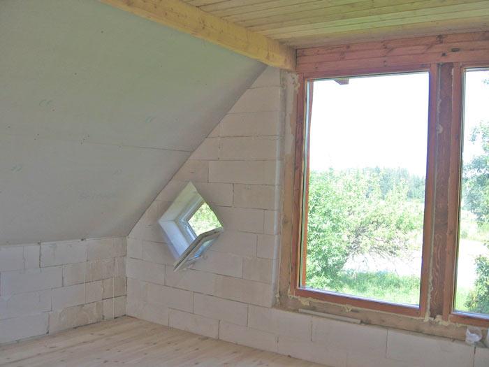 ar skaidām nosiltināts jumta stāvs 25cm