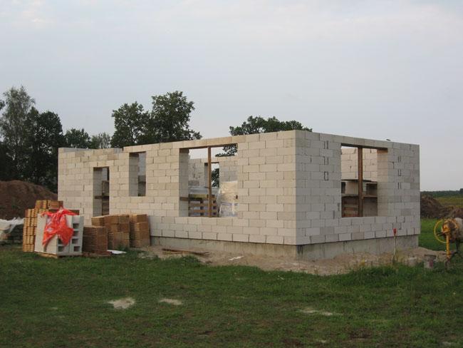 Ekonomiskas savrupmājas projekts, būvniecības process
