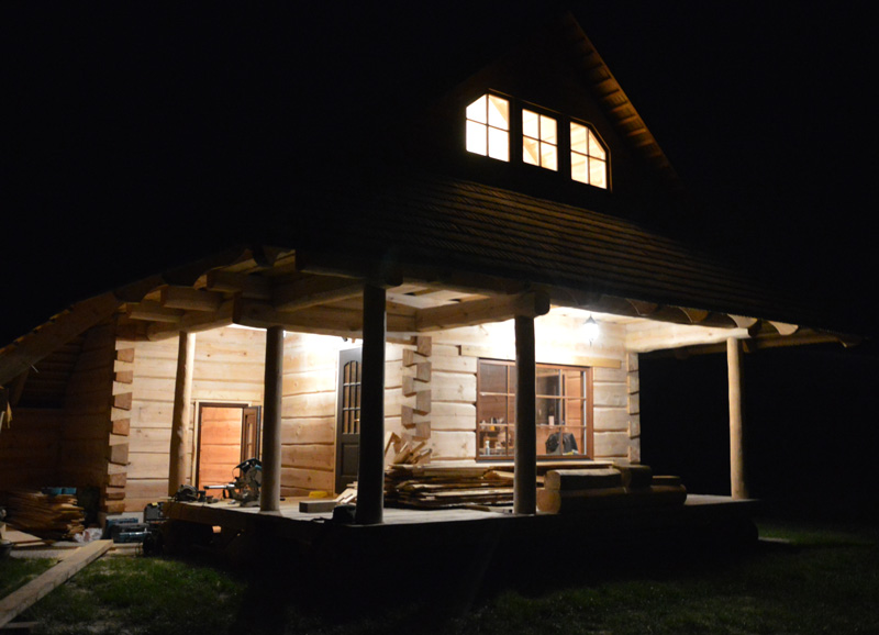 """Brīvdienu mājas projekts """"Jānis"""", uzbūvētās mājas bildes"""