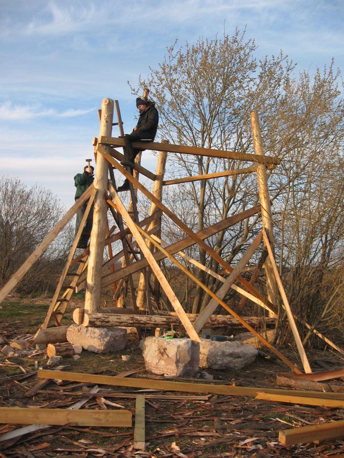 Būvējot torni ornitologiem