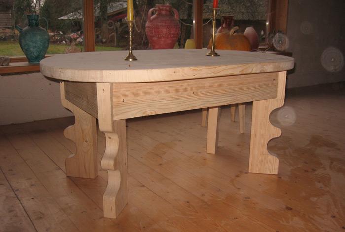 """Pašdarinātas koka mēbeles """"Magone"""", galds, autors Kārlis Liepa"""