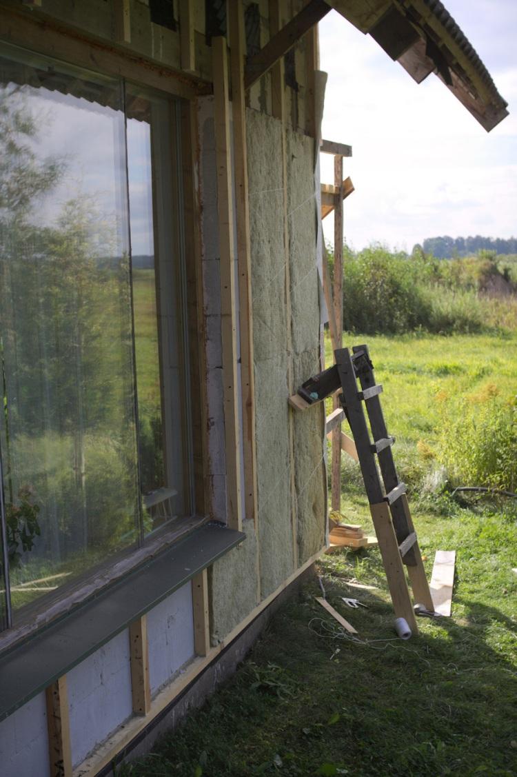 """Mājas projekts """"Ansis"""", projekta realizācijas process - fasāžu apdare, siltināšana pašu spēkiem"""