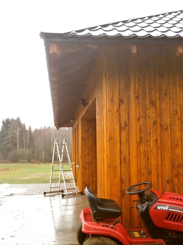 Saimniecības ēkas projekts - realizētās ēkas attēli, fasādes, dēļu apšuvums