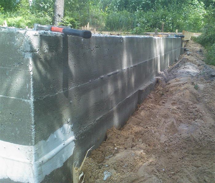 Vienkāršas saimniecības ēkas būvēšana - pamati gatavi