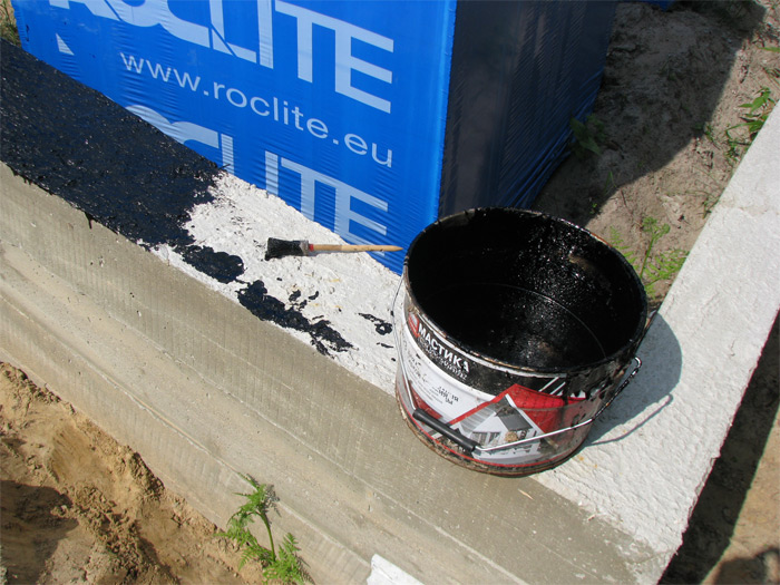 Saimniecības ēkas ekonomiska būvniecība, iekšējā perimetra piebēršana tālākai grīdas betonēšanai nepieciešamajā līmenī