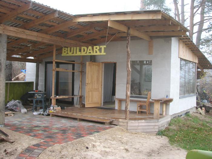 Darbnīcas projekts - būvniecības procesa bildes - ieklāts bruģa segums
