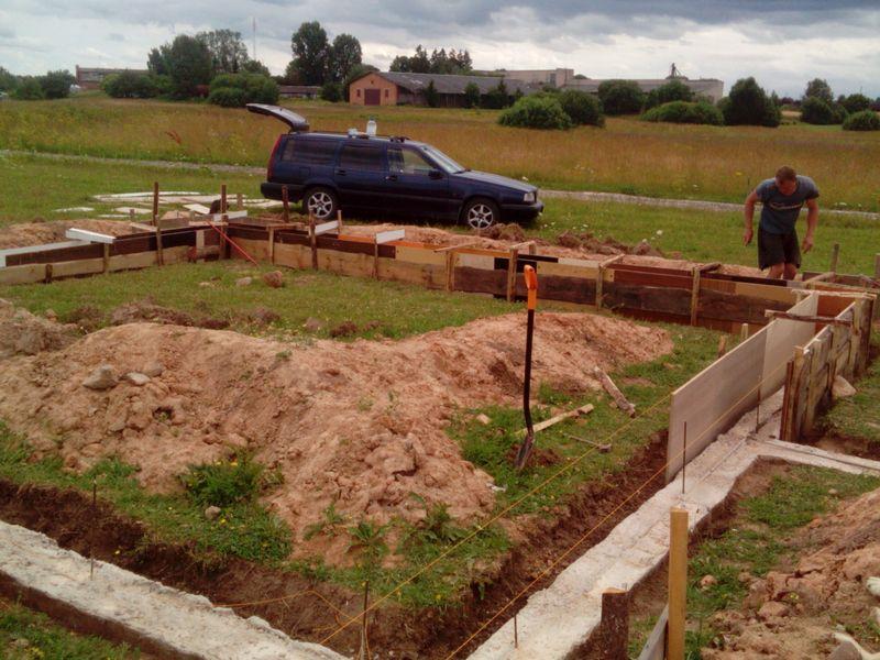 Pamatu būvēšana izmantojot zemes veidni - veidņi virszemes daļai
