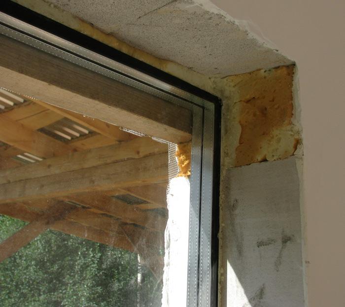 Vienkāršas darbnīcas projekts - būvniecības procesa bildes, logi un durvis