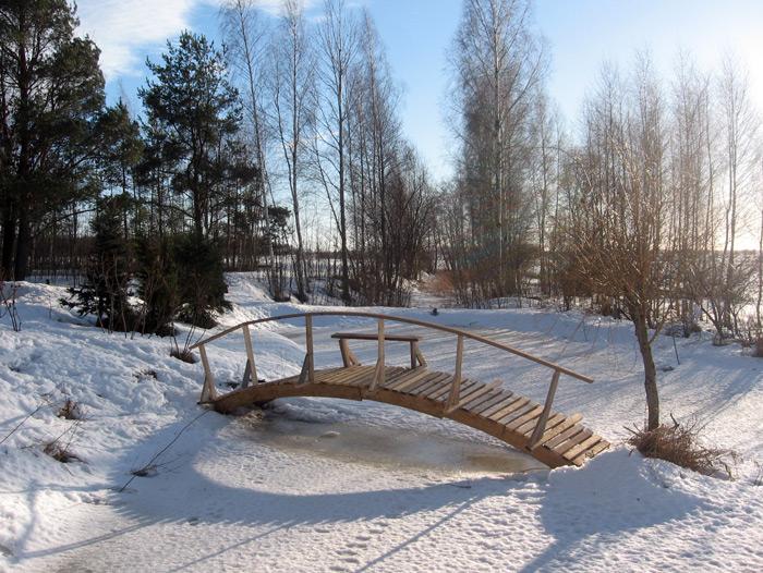 Pašrocīgi būvēts koka tilts