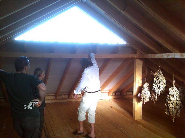 Saimniecības ēkas projekts - realizētās ēkas attēli, jumta konstrukcija