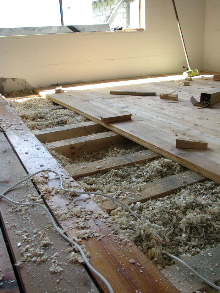 Vienkāršas darbnīcas projekts - būvniecības procesa bildes, grīda