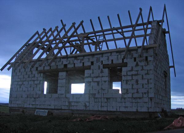 spāres, jumta konstrukcija