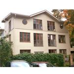 Projekts mājai ar trīs dzīvokļiem