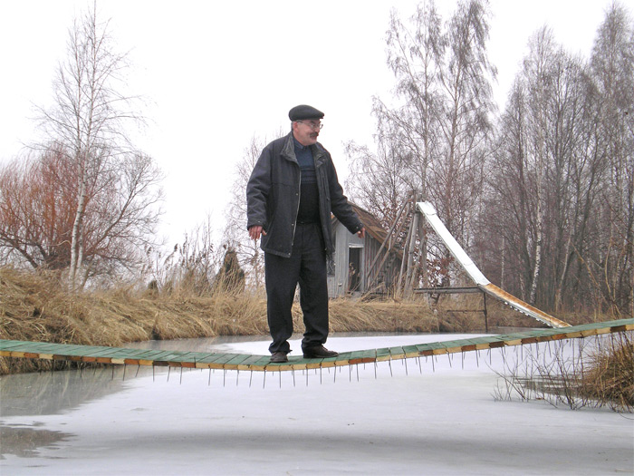Plānākais tilts Eiropā, pašdarināts trosēs iekārts tilts