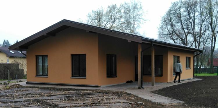 """Vienstāvīgas mājas projekts """"Andris"""", uzbūvētās mājas bildes"""