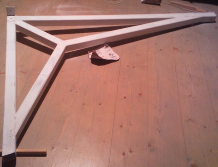 pašbūvētas vienkāršas kāpnes, darbu process